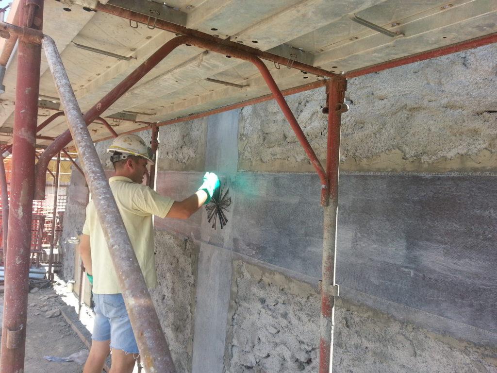 fiocchi carbonio parete muratura